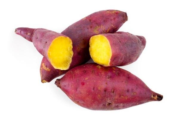 Người bị viêm amidan nên ăn khoai lang giup kháng viêm, làm dịu cổ họng