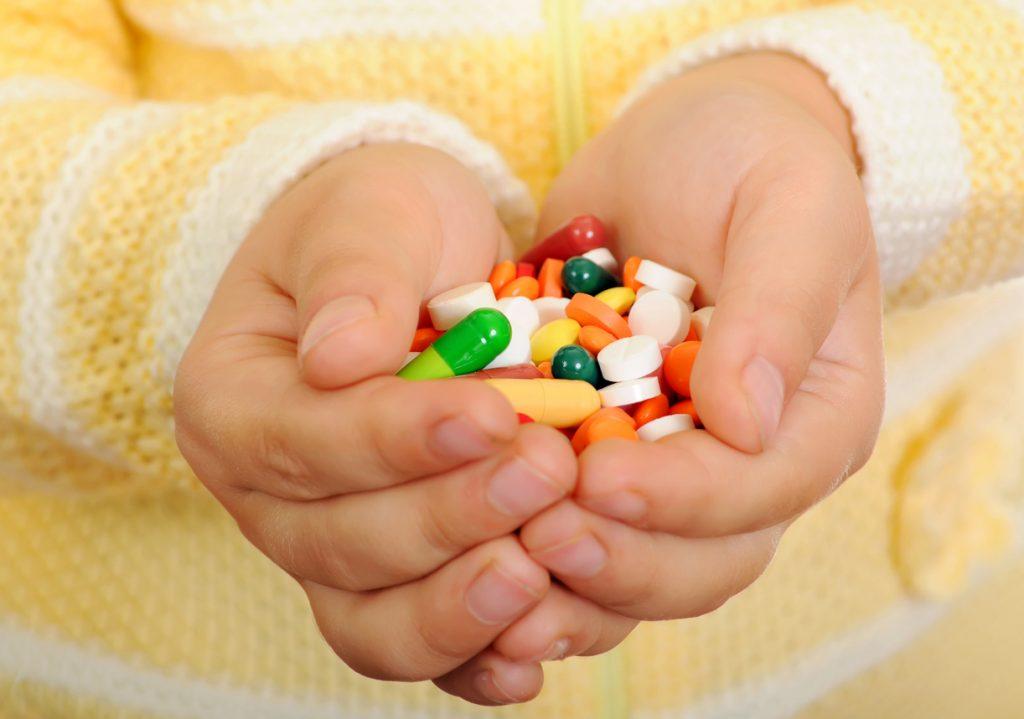 Điều trị viêm amidan ở trẻ bằng thuốc tây