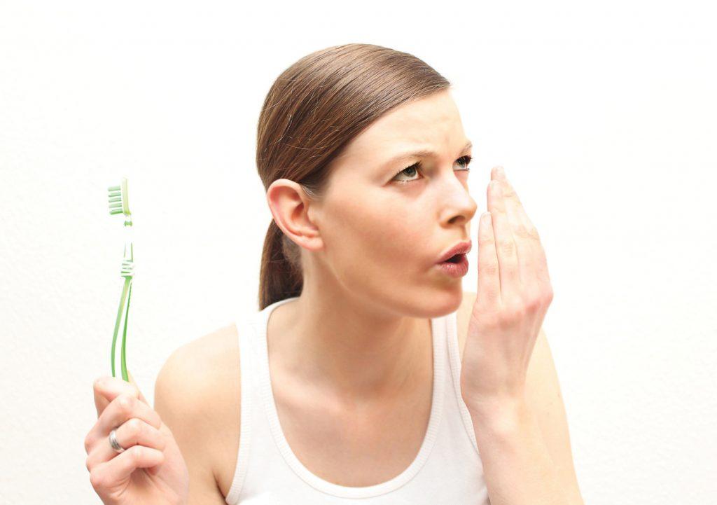 Hiểu rõ hơn về sỏi amidan và cách chữa trị tại nhà - Ảnh 2