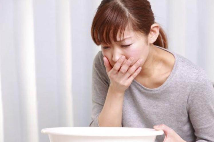 Hen suyễn có thể dẫn đến viêm họng gây buồn nôn